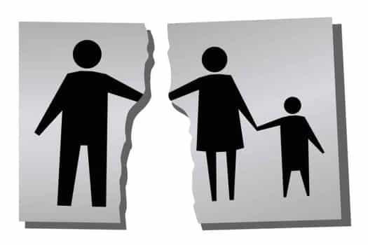 """האב חוזר בתשובה - האם בנו ילמד בביה""""ס דתי?"""