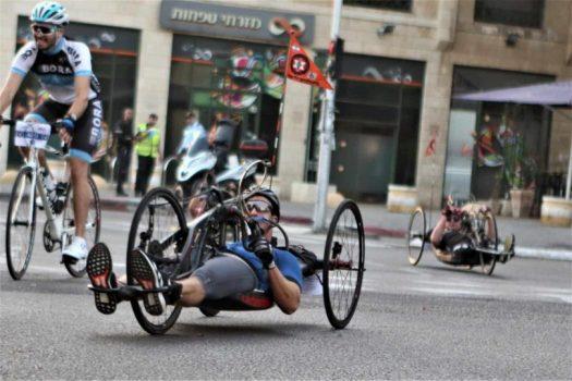 """לוחמים על אופניים: כמאה נכי צה""""ל משלל בתי הלוחם בארץ רכבו במירוץ סובב """"טורקי"""" תל אביב"""