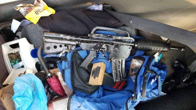 """המשטרה הגישה הצהרת תובע נגד 2 תושבי שכונת חליסה בחיפה, בחשד לייבוא אקדח מחו""""ל"""