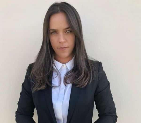 """עו""""ד טליה שחר מנהלת החטיבה המסחרית במשרד שחר כהן ושות'."""