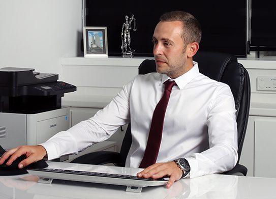 """עו""""ד מיכאל פיינברג - עורך דין בדיני משפחה"""