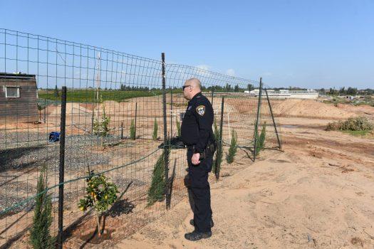 משטרת מרחב שרון ביצעו אתמול מבצע אכיפה ממוקד נגד מחזיקי חוות סוסים שחלקם חשודים בפלישה לאדמות מדינה.
