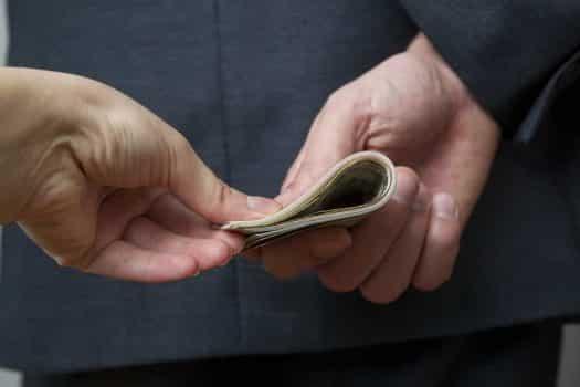 שוחד כסף