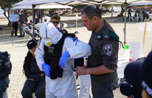 המשטרה החלה לתרגל אכיפת בידוד קורונה ומניעת ביזה