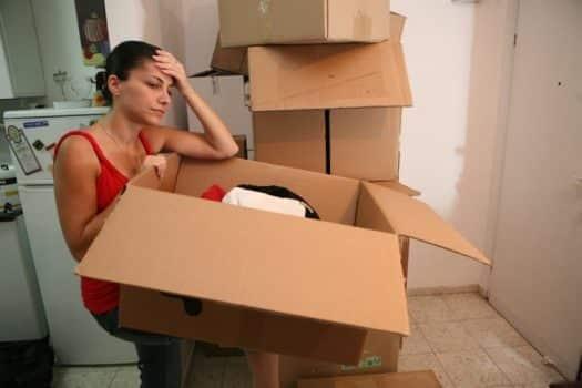 צעירים בישראל: איך השפיעה העלייה במחירי הדירות על דפוסי החיים שלהם?