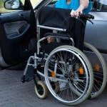 חברת הביטוח ניסתה להתחמק מחובתה לשלם פוליסת סיעוד על גבה של נכה ערירית ומבוגרת