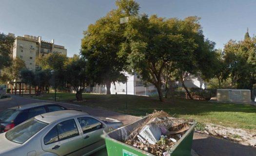 אזרח הפריע לבן 25 לאנוס בת 13 בגינה ציבורית ברמת השרון
