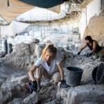 אבן נפלה על עובד בחפירה ארכאולוגית והוא פוצה בעשרות אלפי שקלים