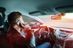 טלפון סלולרי רכב נהיגה