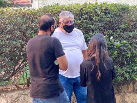עבריין מין מורשע נתפס על חם מפר את צו הפיקוח