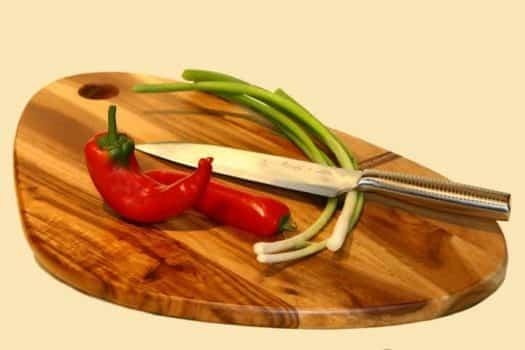 ירקות סכין קרש חיתוך פלפל בצל ירוק בישול