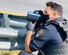 מכשיר מדידת מהירות שוטר משטרה תנועה