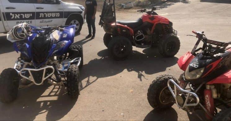 הטרקטורונים שהורדו מהכביש, צילום: משטרת ישראל