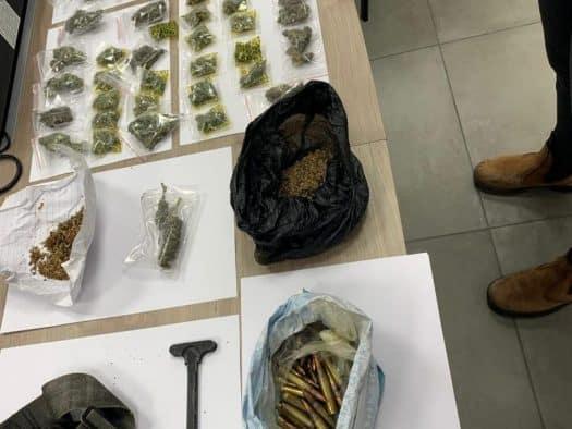 הסמים והתחמושת שנתפסו בירכא. צילום: משטרת ישראל