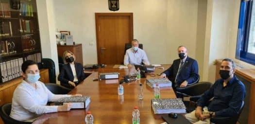 פגישה ראשונה של ועדת האיתור. צילום: משרד המשפטים