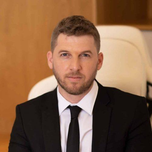 עורך דין אורי גמר