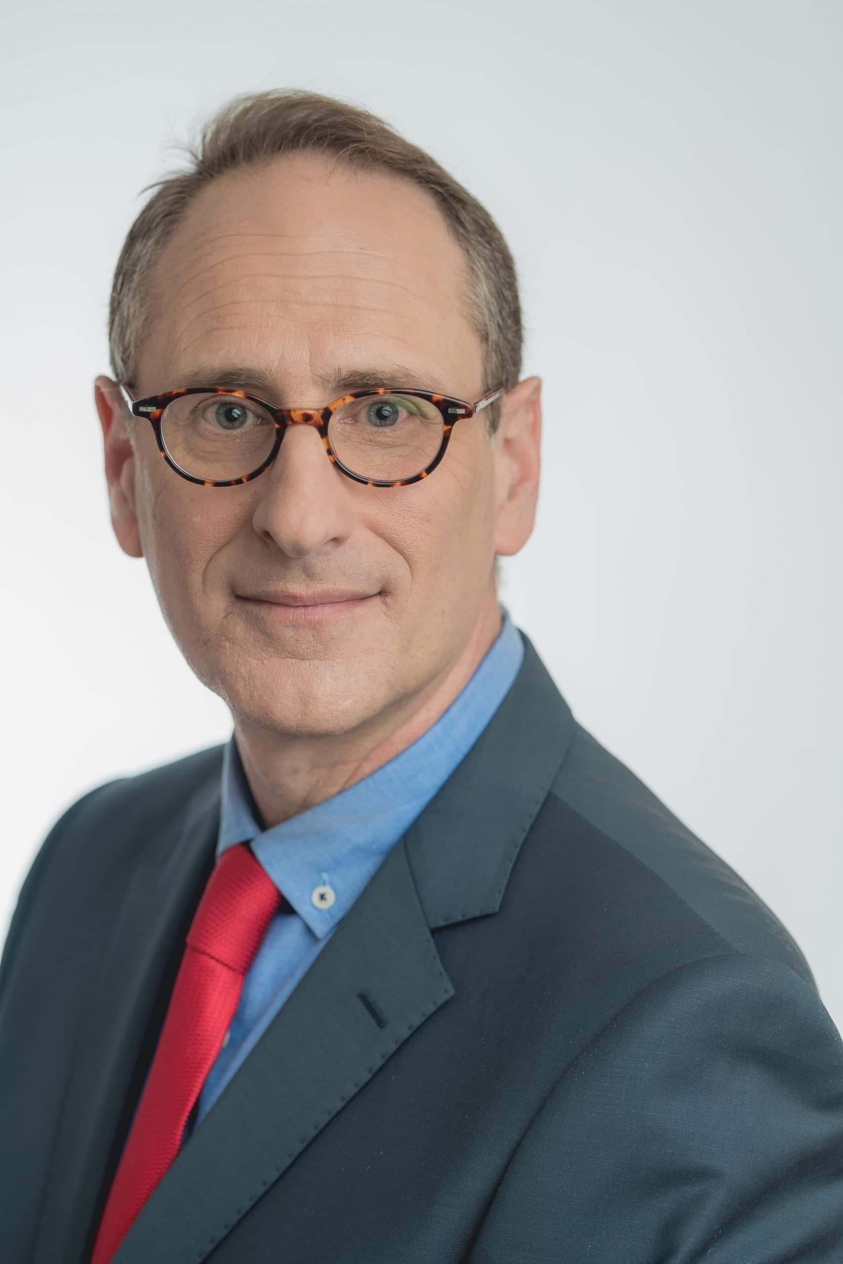 אסף קריאל פרופיל