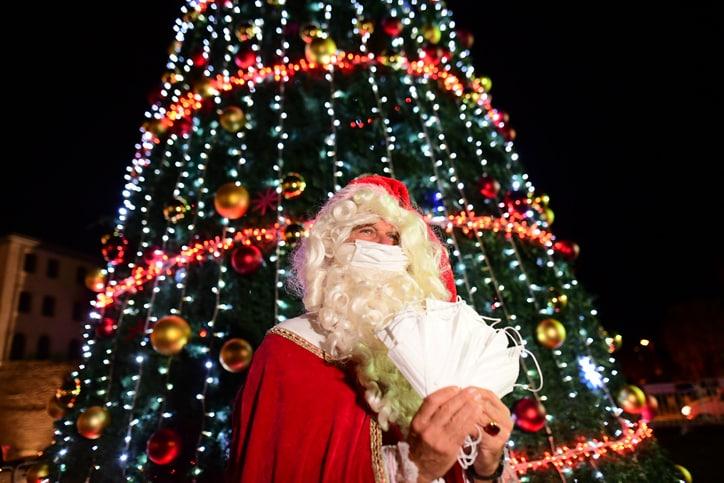 כריסמס חג המולד עץ אשוח סנטה קלאוס יפו