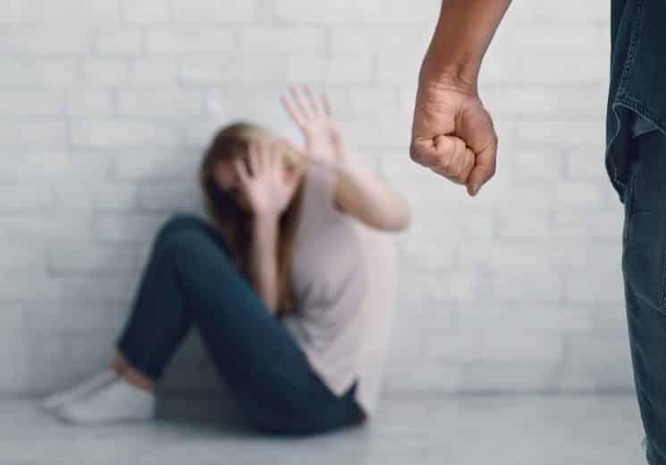 תקיפת בת זוג - אילוסטרציה