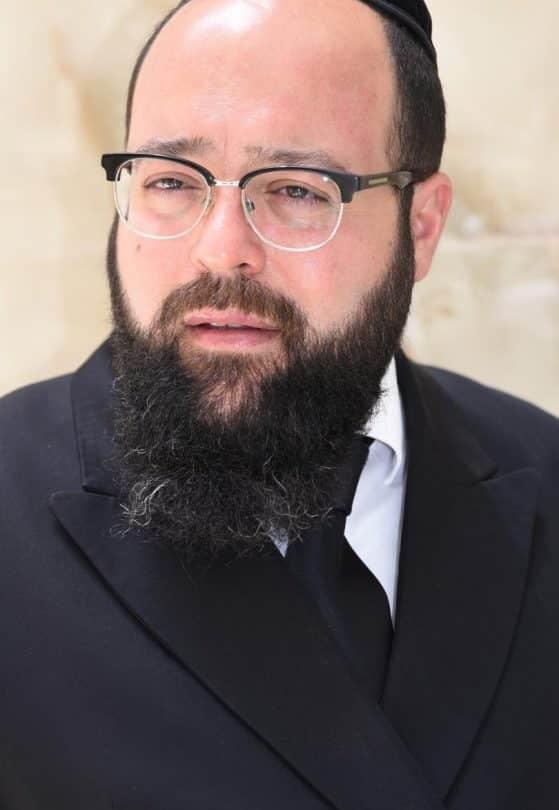 """עו""""ד שמחה כהן: עובד מתוך שליחות"""