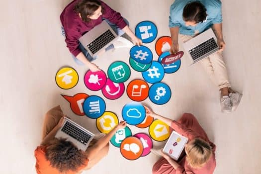 רשת חברתית קידום מכירות מחשבים עובדים חברה