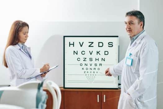 בדיקת עיניים ראייה אופטומטריסט