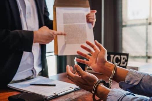"""ליווי וייעוץ במהלך ניהול הליך הפלילי - משרד עו""""ד אלטמן&וסרמן"""