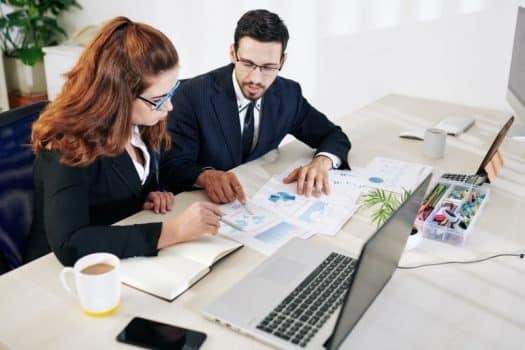 עורכי דין קידום מכירות ישיבת עסק עבודה משרד