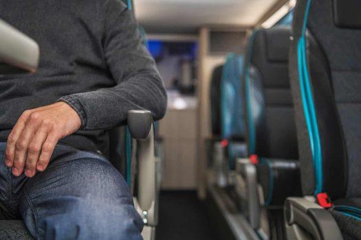 מיניבוס אוטובוס מושב אחורי
