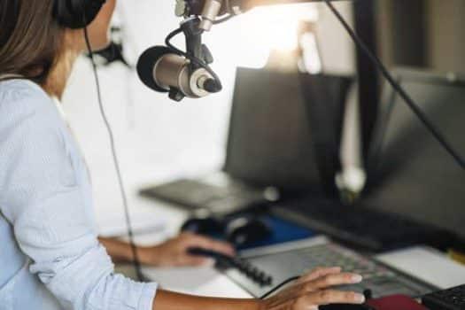 פודקאסט השכת שידור רדיו אולפן