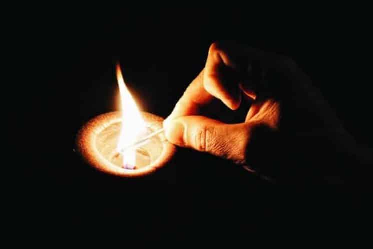 נר אש שריפה הצתה