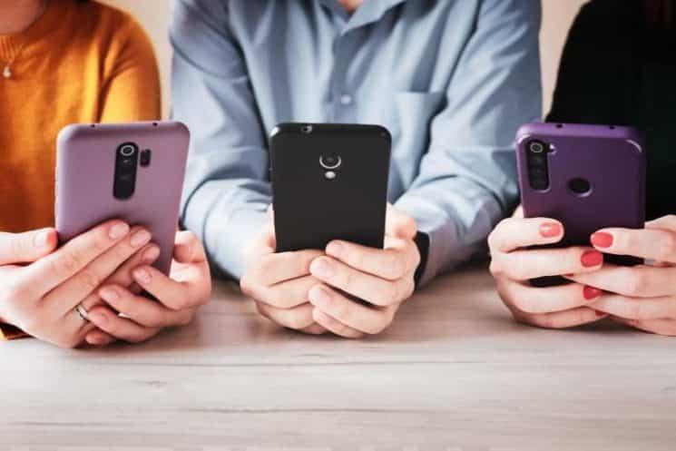 טלפון נייד מכשיר רשת חברתית