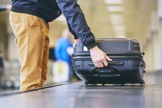 מזוודה שדה תעופה