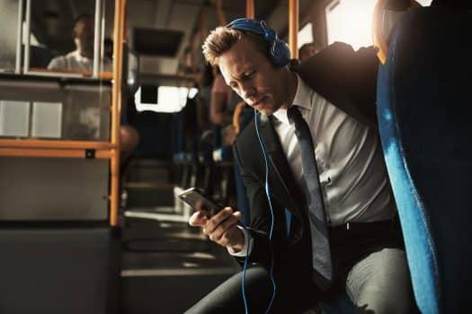 מוגבלות בשמיעה באוטובוס - אילוסטרציה