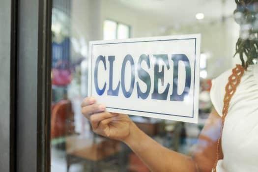 האם תביעה קודמת מהווה עילה שלא להעניק שירות ללקוח?